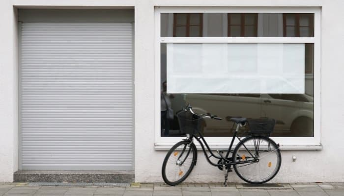 Local commercial : reprise d'un rez-de chaussée vacant en copropriété